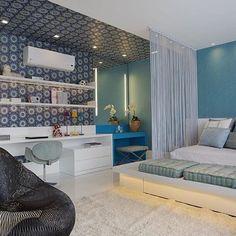 WEBSTA @ ohlaemcasablog - Boom dia! ✨ O uso do papel com desenhos na parede e no teto delimitou a área de dormir da área de estudo criando dois ambientes distintos, mas que se comunicam 💡 #onlyboysohlaemcasa