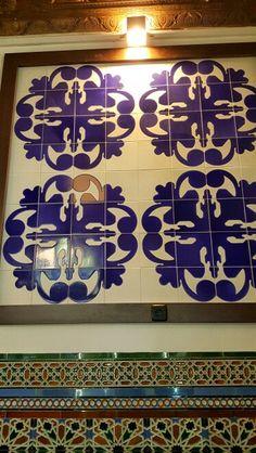 Azulejos de la cantina bar de la estación de trenes de toledo  Julio garcía