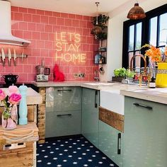 Claire Williams Eclectic Maximalist Home Bohemian House Decor Claire eclectic Home Maximalist Williams Loft Decorado, Lets Stay Home, Green Sofa, Retro Home Decor, Eclectic Decor, Eclectic Kitchen, Bohemian Kitchen Decor, Whimsical Kitchen, Colorful Kitchen Decor