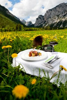 HOCHsteirisches Lebensgefühl . . (c) Tom Lamm . . #hochsteiermark #austria #steiermark #food #wine #kulinarik Table Settings, Lamb, Vacation, Table Top Decorations, Place Settings, Dinner Table Settings, Table Arrangements