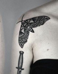 100 exceptional shoulder tattoo designs for men and women Tatoo Henna, 1 Tattoo, Piercing Tattoo, Back Tattoo, Tattoo Bird, Thai Tattoo, Maori Tattoos, Tribal Tattoos, Body Art Tattoos