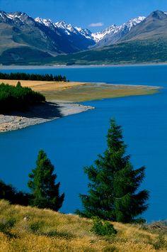 New Zealand Lake Pukaki - this looks too perfect to be real.....