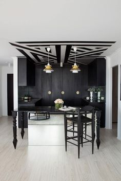 Take a look at this new collection of interior designs featuring 15 Stupendous Modern Home Bar Designs That Will Make Your Jaw Drop. Black Interior Design, Home Interior, Interior Decorating, Apartments Decorating, Interior Designing, Modern Interior, Modern Home Bar Designs, Wallpaper Ceiling, Silk Wallpaper