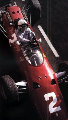 John Surtees - Ferrari 512 - 1965 Dutch GP at Zandvoort. The powered Ferrari 512 and the powered Ferrari 158 replaced the Ferrari 156 that had dominated in 1961 but become outdated by Ferrari Racing, Ferrari F1, F1 Racing, Courses F1, Maserati, Sport Cars, Race Cars, Ferrari Daytona, Porsche