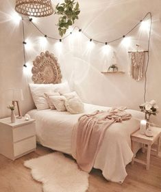Stick with for the most part white hues and light strings to get a boho bedroom .Thanks for this post.Stick with for the most part white hues and light strings to get a boho bedroom like in this plan! A couple of white flies of # bedroom Cute Bedroom Ideas, Room Ideas Bedroom, Bedroom Inspo, Budget Bedroom, Bedroom Inspiration, Kitchen Inspiration, Dream Rooms, Dream Bedroom, Master Bedroom