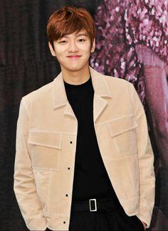 Press-con Legend Of The Blue Sea 14/11/16 Popular Korean Drama, Legend Of Blue Sea, Tae Oh, Cross Gene, Won Ho, Boy Art, Korean Dramas, Cute Boys, Kdrama