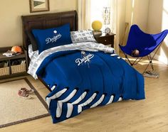The Northwest Los Angeles Dodgers MLB Bed in Bag $90.90 from bedding.com #dodgers #mlb #LA