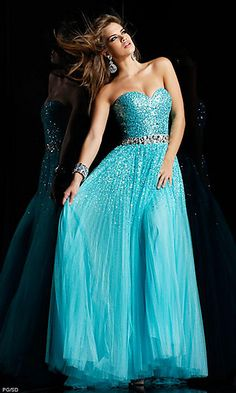 If I was allowed to wear blue for prom...this would TOTALLY be my dress!