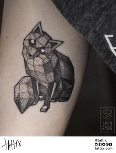 60 geometric animal tattoo designs for men - cool ink ideas Geometric Tattos, Geometric Fox, Fox Tattoo Meaning, Tattoos With Meaning, Fox Tattoo Design, Tattoo Designs Men, Black Tattoos, Cool Tattoos, Tinta Tattoo