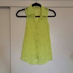 KIRRA BRAND TOP NEON YELLOW LACE Great condition Kirra Tops