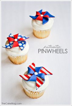 Red, white and blue DIY Fondant Pinwheel Cupcakes | TheCakeBlog.com