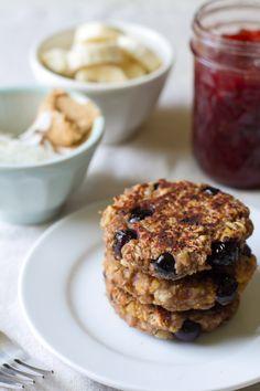 breakfast friday >> peanut butter banana breakfastburgers   edible perspective #bfastfridayclub