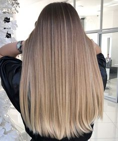 Excellent Free of Charge Balayage hair blonde cool Ideas Summer's en route! Blonde Hair Looks, Dark Blonde Hair, Balayage Hair Blonde, Brunette Hair, Sandy Blonde, Champagne Blonde Hair, Underlights Hair, Ombré Hair, Hair Highlights