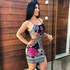 Dress #simplesvaidade ▫ #vestido #vestidos #vestidolindo #reveillon #decote #fashiongram #looks #modaparameninas #dress #dresses #vestidocurto #lookdeldia #estampa #look #goodafternoon #lookdodia #lookoftheday #prettywoman #tumblrgirls #boatarde #sabado #satuday #2018 #anonovo #morena #deagora #hair #luxo