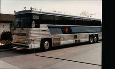 TWITTY BIRD BUS 1 Bus Humor, Conway Twitty, Buses And Trains, Country Music Stars, Special People, Coaches, Tennessee, Planes, Entertainment