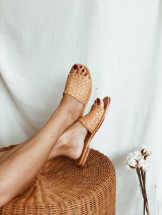 Shop comfortable and quality womens woven sandals woven leather sandals slip ons slides and loafers. 100 handmade by artisans. We ship worldwide. Winter Fashion Outfits, Look Fashion, Fashion Shoes, Clogs, Elements Of Style, Kinds Of Shoes, Summer Shoes, Summer Sandals, Luxury Shoes