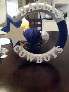oud also do other teams Dallas Cowboys Room, Dallas Cowboys Crafts, Dallas Cowboys Wreath, Cowboys Gifts, Football Team Wreaths, Football Crafts, Sports Wreaths, Cowboy Theme, Cowboy Party