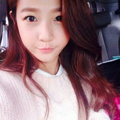 Kim Sae Ron is also like me! Taking selca inside a car Korean Actresses, Korean Actors, Actors & Actresses, Korean Beauty, Asian Beauty, Kim So Eun, Child Actors, Female Stars, Korean Celebrities