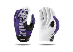 Reebok Crossfit gloves. So pretty - my hands will not be as ugly all the time ;)