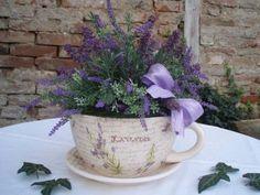 a lavender cottage . X ღɱɧღ Lavender Cottage, French Lavender, Lavender Fields, Peony Flower, Flower Vases, Flower Arrangements, Lavender Bouquet, Lavender Flowers, Growing Lavender