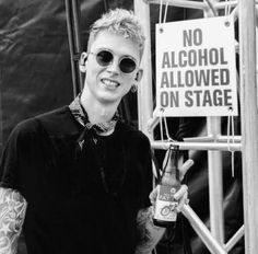 MGK in Black & White Mgk Tattoos, Father And Girl, Bae, Funny Profile Pictures, Colson Baker, Love U So Much, Machine Gun Kelly, Dream Boy, Baby Daddy