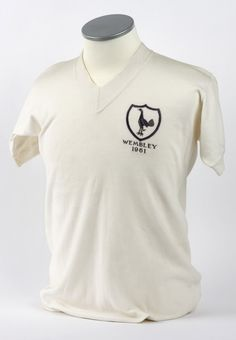 Danny Blanchflower Tottenham shirt, 1961 FA Cup final (The Priory Collection @ the NFM).