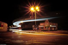 lichtsporen van een vrachtwagen Mansions, House Styles, Home Decor, Pictures, Decoration Home, Manor Houses, Room Decor, Villas, Mansion
