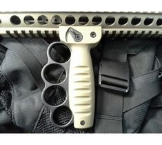 AR 15 Accessories: AR 15 Foregrip with Brass Knuckles (FDE/Anodized)