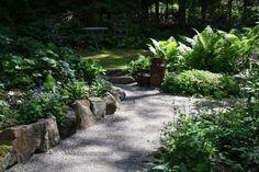Metsäpuutarha alkukesällä Scandinavian Cottage, Garden Inspiration, Stepping Stones, Sidewalk, Yard, Patio, Outdoor Decor, Holiday, Plants