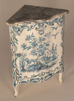 Century French Corner Cabinet by Janet Reyburn Miniature Dollhouse Furniture, Miniature Rooms, Dollhouse Miniatures, Dollhouse Ideas, Upholstered Furniture, Antique Furniture, Painted Furniture, Objet D'art, Furniture Inspiration