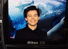 """harrystylesdaily: """"Harry Styles at the New York premiere of 'Dunkirk', July """" Niall Horan, Dunkirk Premiere, Bae, Love Of My Life, My Love, Harry Styles Wallpaper, Harry Styles Pictures, Mr Style, Treat People With Kindness"""