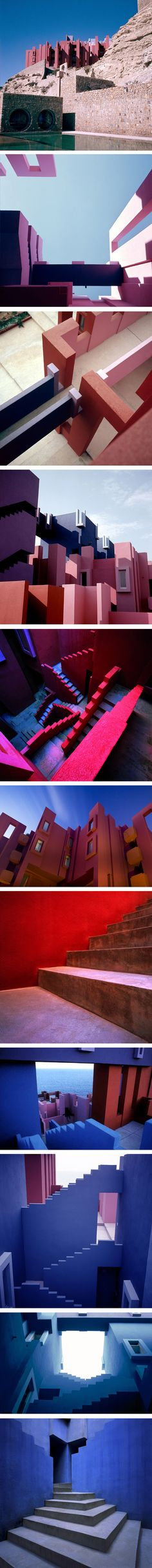 """The Red Wall"" (La Muralla Roja) 50 apartment building by Ricardo Bofill in Calp, Spain.dated de Route de Valencia Architecture Design, Futuristic Architecture, Amazing Architecture, Contemporary Architecture, Design Set, Urban Design, Espace Design, Red Walls, Built Environment"