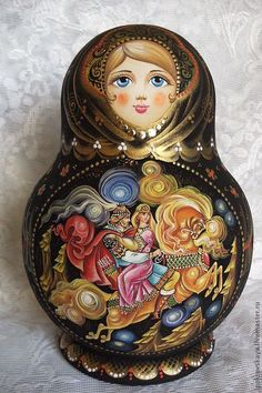 Russian dolls intrigue you? More than simple decorative objects, they symbolize Russia. So do not hesitate to discover our entire collection of matryoshka. Matryoshka Doll, Kokeshi Dolls, Russian Folk Art, Russian Fashion, Doll Accessories, Illustrations, Decorative Objects, Cosmopolitan, Budapest