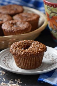 Surprisingly Amazing Date Bran Muffins - She loves biscotti Date Recipes Healthy, Healthy Muffin Recipes, Healthy Muffins, Healthy Baking, Vegan Muffins, Healthy Snacks, Baking Recipes, Cake Recipes, Dessert Recipes