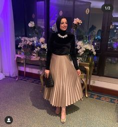 Modern Hijab Fashion, Hijab Fashion Inspiration, Muslim Fashion, Hijab Evening Dress, Evening Dresses, Skirt Fashion, Fashion Dresses, Hijab Wedding, Hijab Fashionista