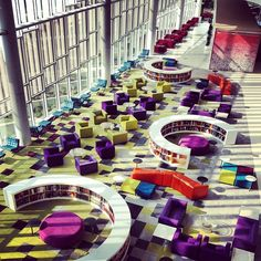 Hunt Library at North Carolina State University. Colors are interesting School Library Design, Home Library Design, Kids Library, Modern Library, Office Interior Design, Library Furniture, School Furniture, Library Architecture, School Architecture