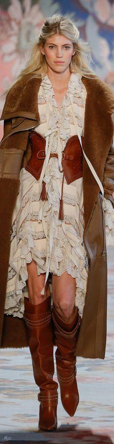 Zimmermann embraces cowgirl couture at New York Fashion Week Autumn Fashion 2018, Fashion Now, Fashion 2017, Runway Fashion, Boho Fashion, Australian Fashion Designers, Fall Chic, Colorful Fashion, Alternative Fashion