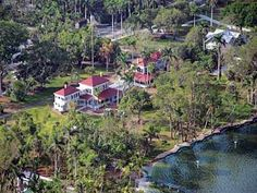 MustDo.com #Florida #vacation Explore gardens and historic buildings including Henry Ford's home and Thomas Edison's main house.