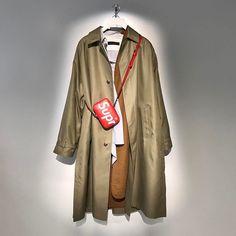 ルイ・ヴィトン展示会。SUPREMEという最高のカードを切る2017_18AW、景色は変わるかな。インスタしやすいようにライティングしてあるのがさすが。#LouisVuitton #Supreme #KimJones