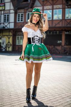 Halloween Party Costumes, Girl Costumes, Mode Outfits, Girly Outfits, Octoberfest Girls, German Costume, German Outfit, German Girls, Beer Girl