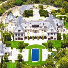 Denzel washington's massive beverly hills estate luxury homes, mansions, house styles, Celebrity Mansions, Celebrity Houses, Dream Mansion, Mansion Houses, Mega Mansions, Luxury Mansions, Rich Home, Modern Mansion, Expensive Houses