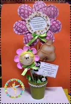 Eva Invitation Cards, Invitations, Corpus Christi, Craft Tutorials, Biscuit, Flower Arrangements, Crafty, Christmas Ornaments, Holiday Decor