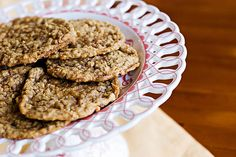 Oatmeal Toffee Crisp Cookies - lovely combination of chocolate and toffee  @yourhomebasedmom.com  #cookies,#recipes