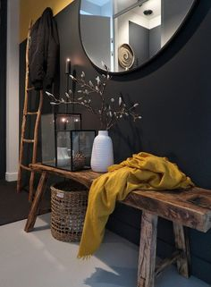 De make-over van onze hal en toilet met verf van Farrow & Ball De make-ov Entryway and Hallway Decorating Ideas Ball Farrow hal makeov Makeover met onze toilet van verf Farrow Ball, Decoration Hall, Entryway Decor, Hallway Paint, Dark Hallway, Living Room Decor, Bedroom Decor, Deco Design, Cheap Home Decor