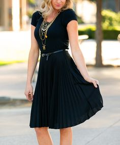 Black Essential Pleated Skirt
