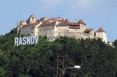 SIMBOLURI ROMANESTI Peles Castle, Black Church, Ghost Hunting, Great Places, Drum, Places To Visit, 1, Mansions, Country