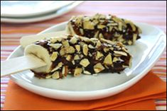 Ingredients: 2 tbsp. Sliced Almonds 1 medium banana 2 tbsp. Hershey's Lite chocolate syrup---only 115 calories!!