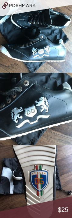 Black leather Dolce and Gabbana sneakers New unworn- purchased in Playa del Carmen Mexico 6 years ago. They sat in a box in storage, but the man made interior lining is disintegrating. Price reflects this issue Size marked 46 comes with a Jill Sander for Puma dust bag Dolce & Gabbana Shoes Sneakers