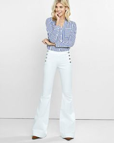 Shore up your jean options with a crisp, white riff on retro seafaring style. A mid rise on top, a flat front with side buttons and a bell flare leg opening help create a silhouette that's long, lean and beautifully proportioned.