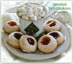 Swedish Vaniljkakors (Vanilla Cookies)